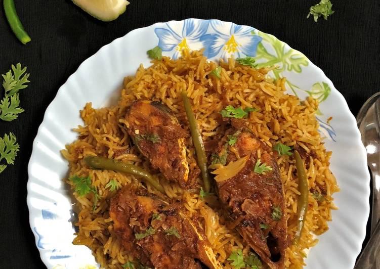 Ilish Macher Biryani (Hilsa Fish Biryani - Bengali style)