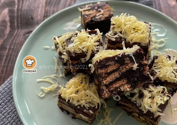 Cara Gampang Membuat Kek Batik Coklat Berganda Anti Gagal