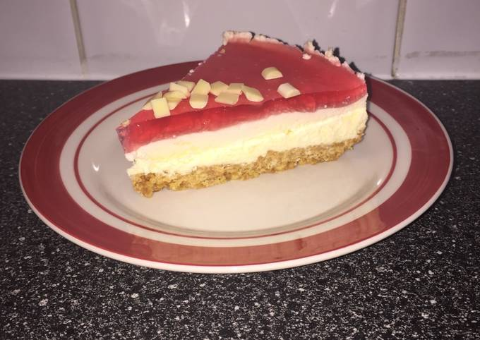Step-by-Step Guide to Make Super Quick Homemade White Chocolate and Strawberry Jelly Cheesecake