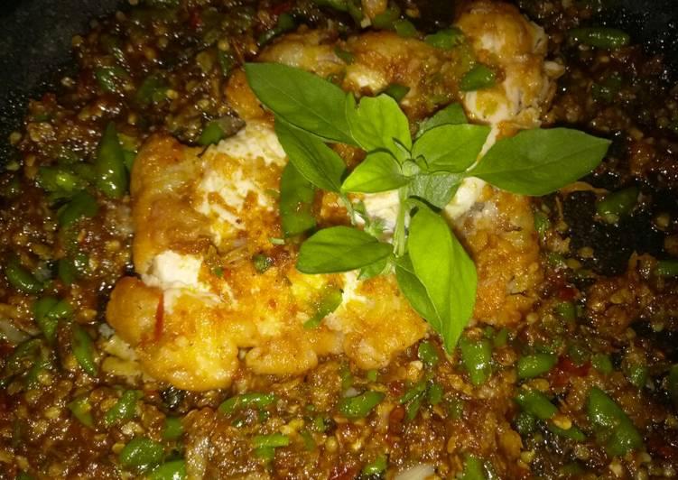 8. Ayam Geprek Crispy