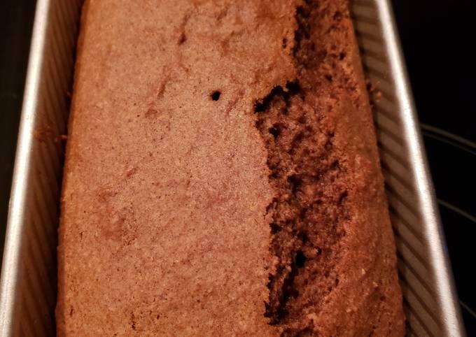 Vegan Spiced Applesauce Cake