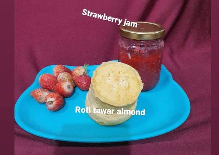 Roti almond dan selai strawberry keto