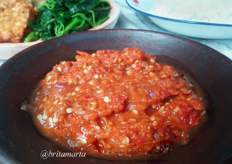 Resep Sambal Tomat Mentah #BikinRamadhanBerkesan oleh Brita Marta
