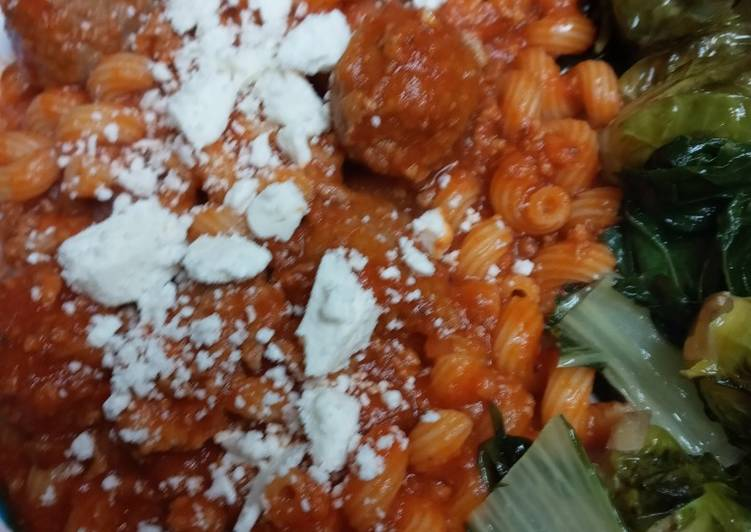 Cavatappi in a Meat Sauce