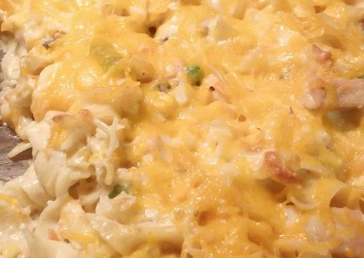 Step-by-Step Guide to Prepare Award-winning Hearty Chicken & Noodle Casserole