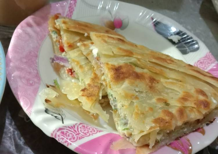 Steps to Make Any-night-of-the-week Double Decker Cheese Anda Paratha 🧀🍳