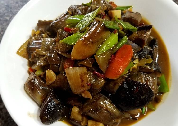 Braised eggplant in garlic sauce鱼香茄子🍆