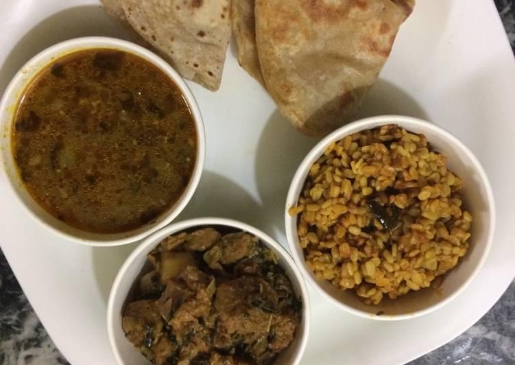 Methi with soya chunks, lauki ki sabji, dry urad dal platter