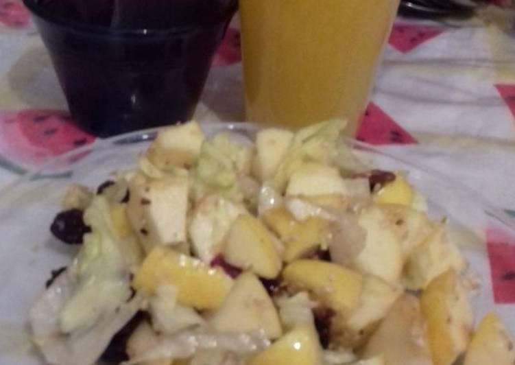 Ensalada de frutas con vinagreta de chile güero