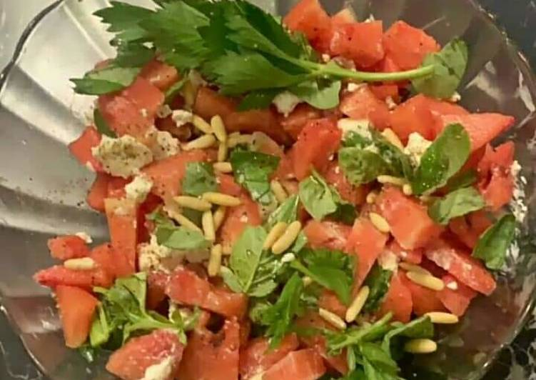 10 Minute Simple Way to Make Spring Tomato sev salad