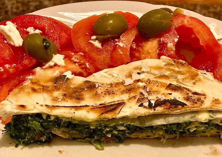 Spanakopita spinaci feta ed olive