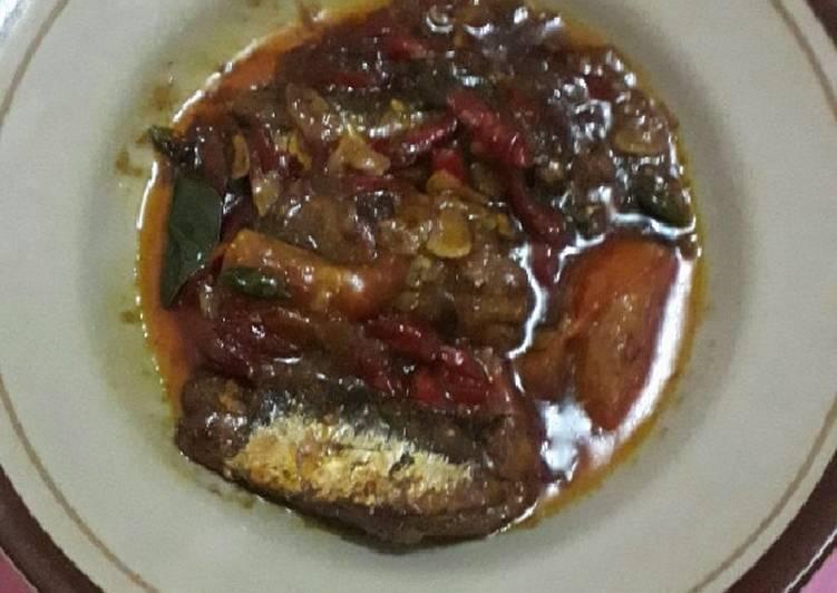 Ikan sardin kaleng gurih