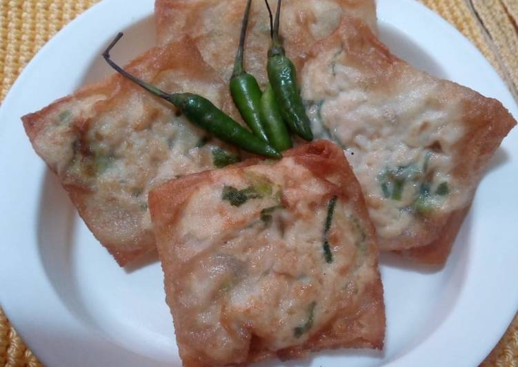Martabak tahu simpel (spring roll tofu)