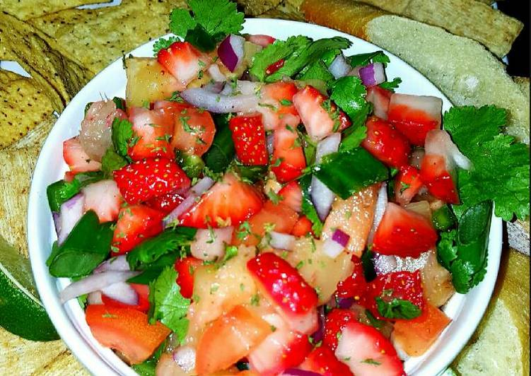 How to Prepare Quick Mike's Strawberry Pineapple Jalapeño Salsa