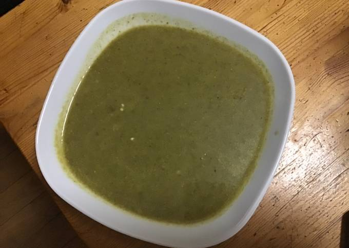 Soupe cresson et pommes de terre au bouillon de crevettes