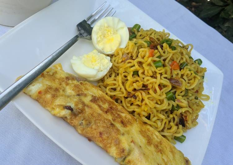 Easiest Way to Cook Delicious Stir fry noodles with egg omelette and boiled egg