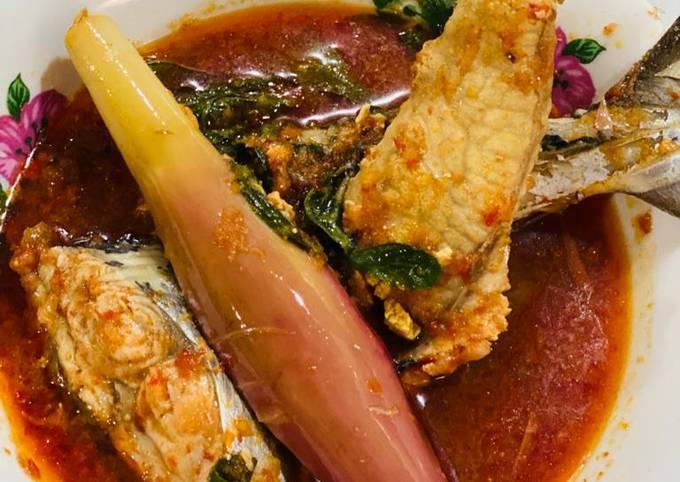 Telur dan Ikan Tenggiri Asam Pedas Lailer