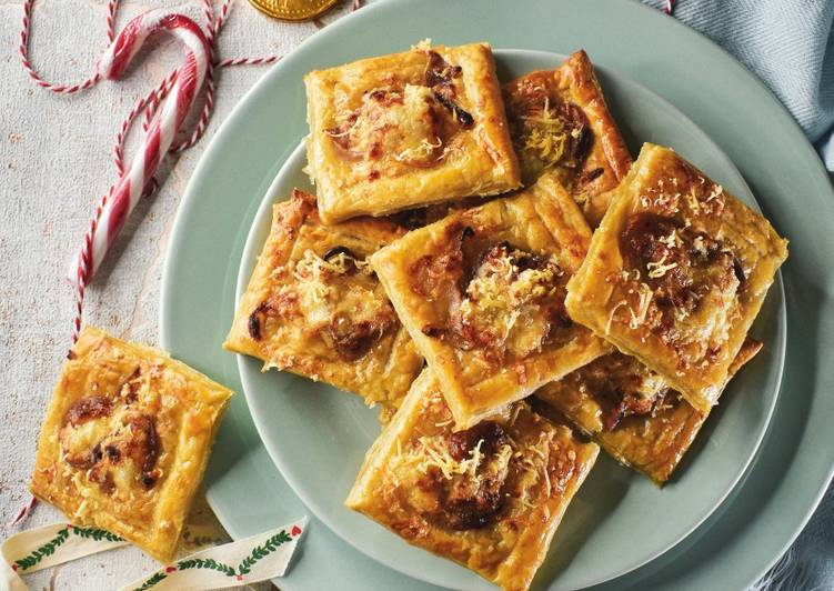 Smoked Cheese & Caramalised Red Onion Tartlets
