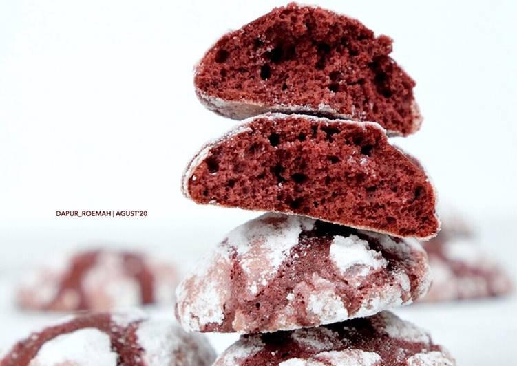 Red Velvet Crinkle Cookies - cookandrecipe.com