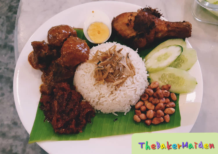 Nasi Lemak with Rendang and Lemongrass Friend Chicken and Sambal