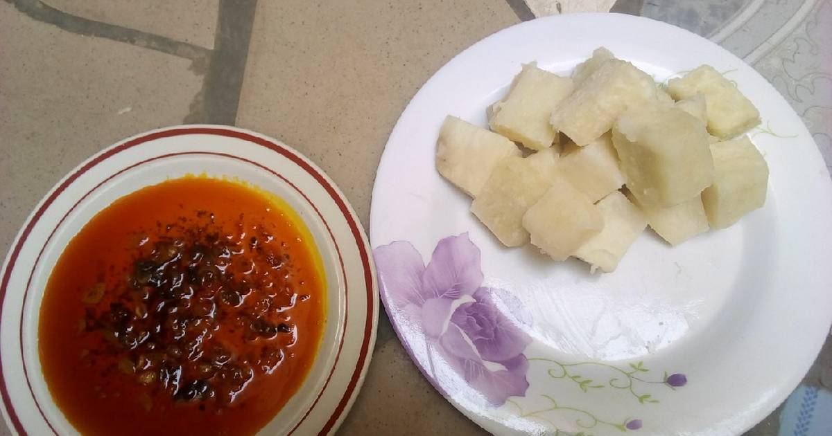Boiled yam and red oil Recipe by Salma Ali Baba - Cookpad