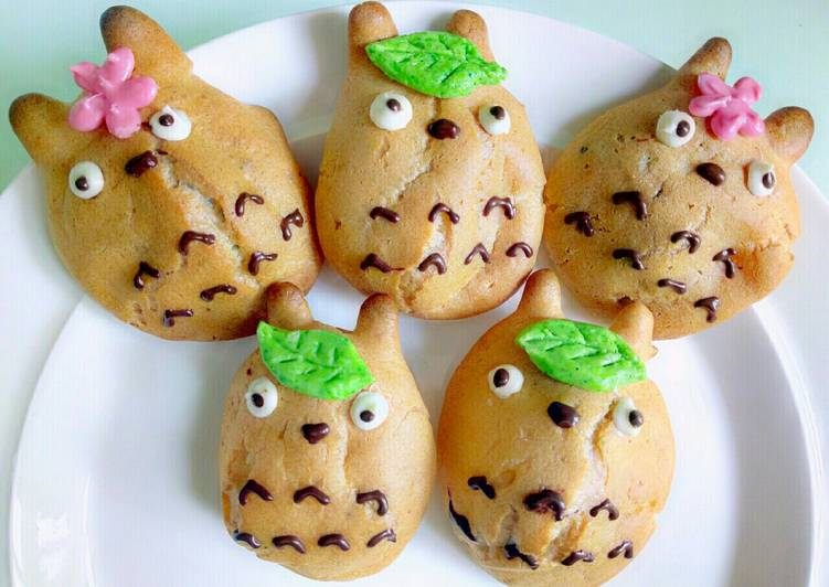 Consuming 14 Superfoods Is A Great Way To Go Green And Be Healthy Totoro chocolate puff