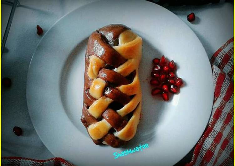 Recipe of Homemade Banana and chocolate filled  double colored braided bread