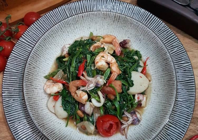 130. Kangkung Tauco Seafood