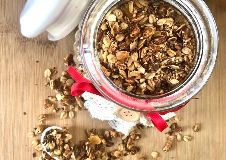 Ricetta Granola frutta secca, semi e mango disidratato 🥭