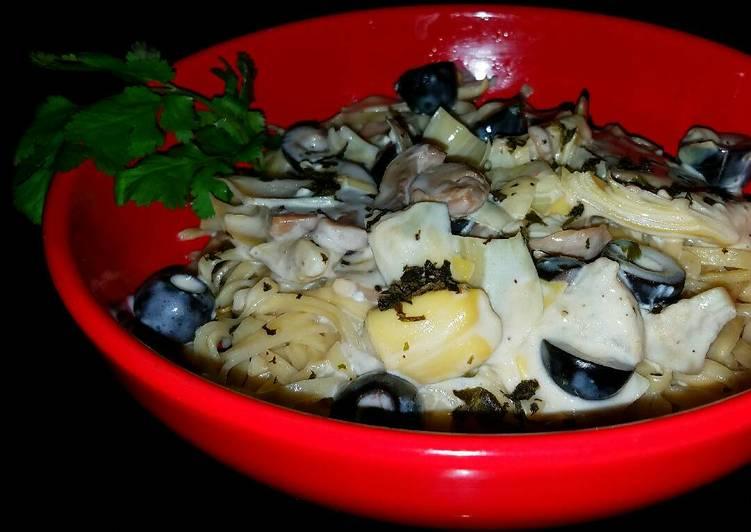 Mike's Garlic Linguini Alfredo