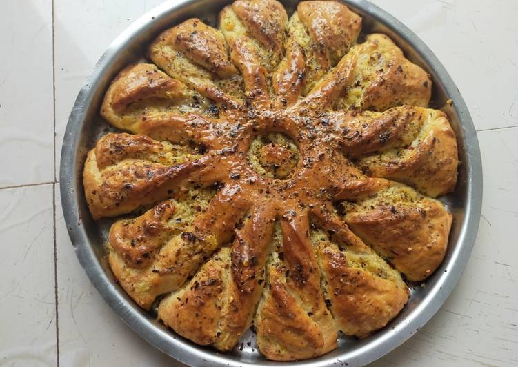Easiest Way to Prepare Perfect Sunflower bread with Cream cheese and Potato stuffing