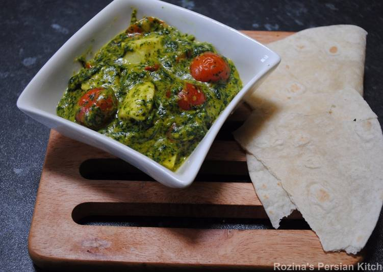 Spinach puree with Halloumi cheese
