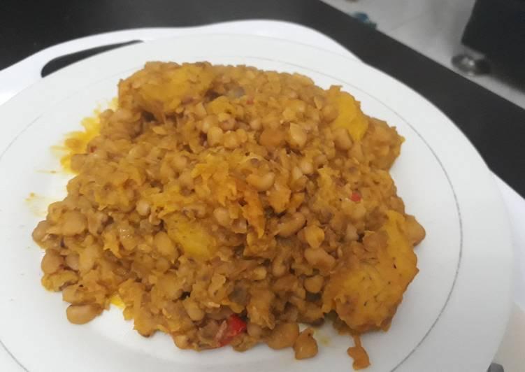 Porriage beans with ripe plantain