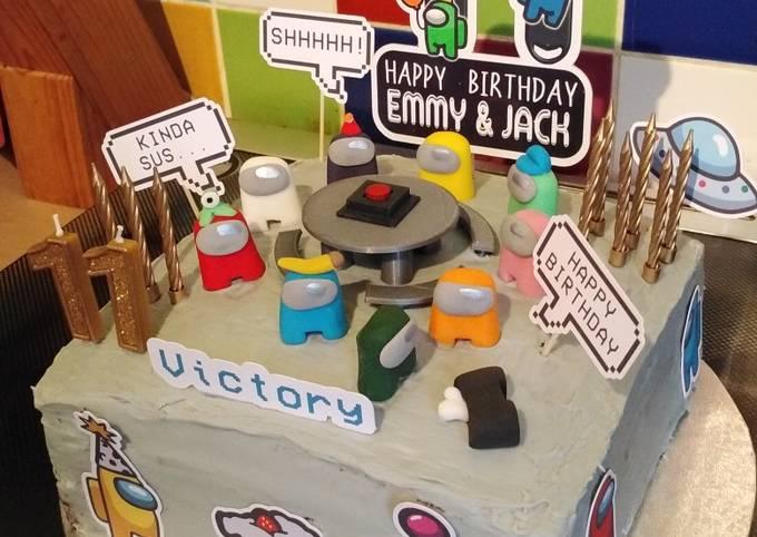 Vickys 'Among Us' Cake Decoration Idea
