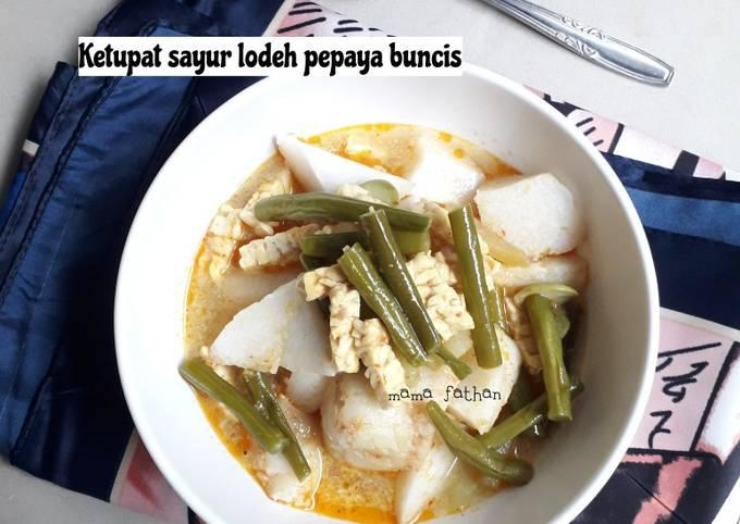 ketupat sayur lodeh pepaya buncis - resepenakbgt.com