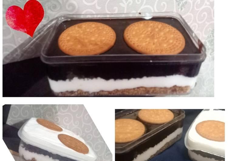 Biscuit Iced Dessert Box