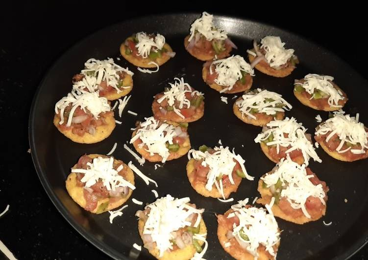 Healthy mini pizza bites