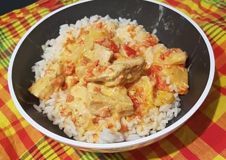 Poulet / riz /ananas et lait de coco