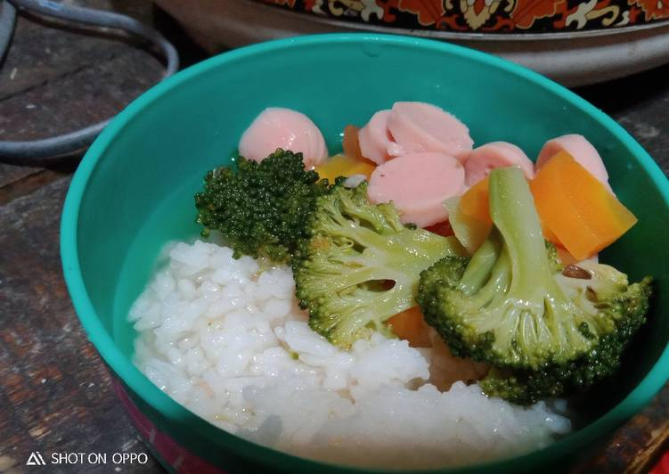 Sop brokoli sosis