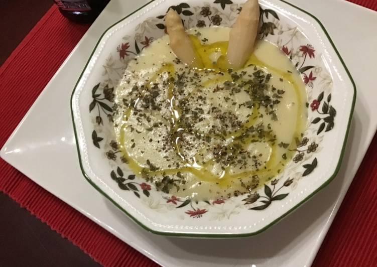 Crema De Espárragos Suave Con Aceite De Trufa Blanca Receta De Penchi Briones Garcia Cookpad