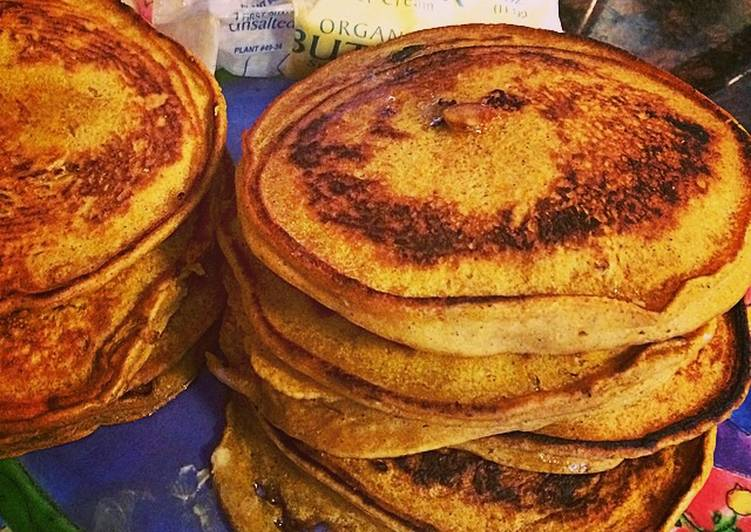 White Chocolate Pumpkin Pancakes