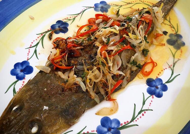 How to Make Any-night-of-the-week Whole baked fish with fragrant chilli onion oil