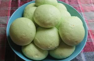 Bánh bao sữa dừa lá dứa