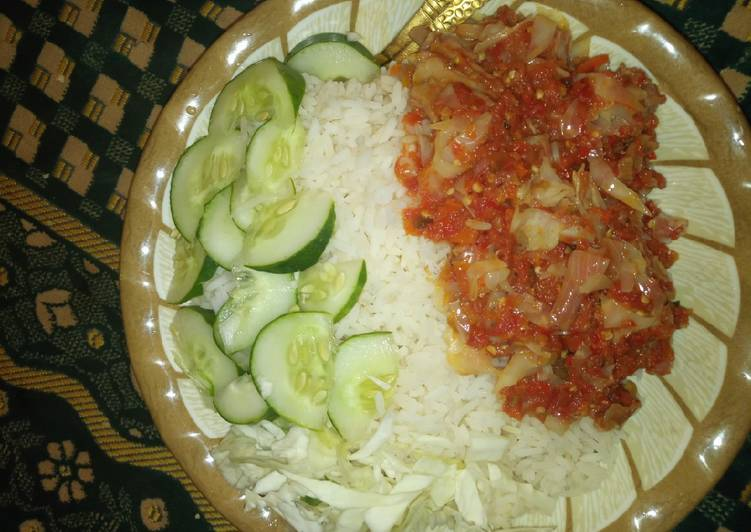 Easiest Way to Prepare Homemade White rice en cabbage Sauce