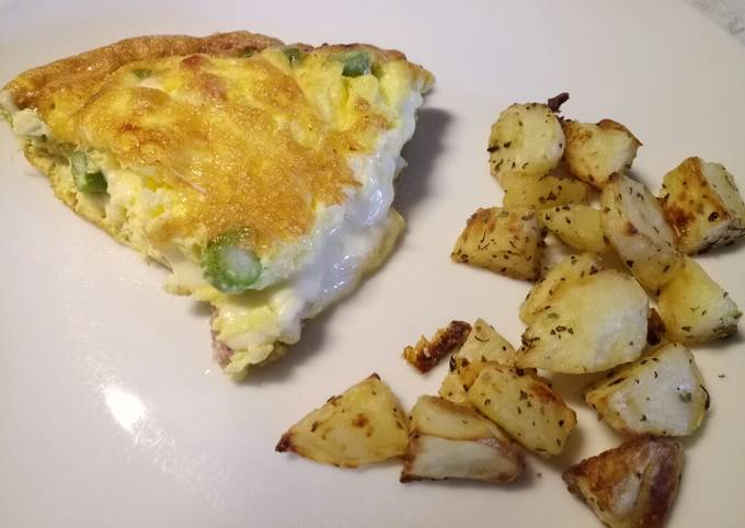 Scamorza, pancetta and asparagus frittata, with crispy potatoes