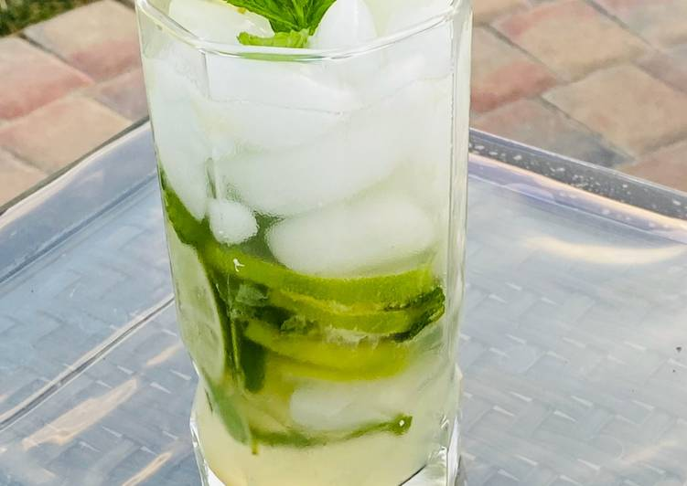 How to Make Super Quick Homemade Virgin Mojito
