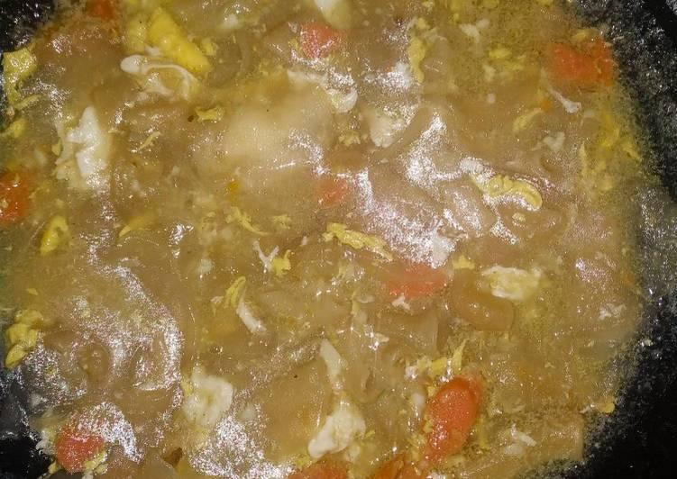 Resep Seblak kuah (krupuk,sosis,telur) Yang Simple Lezat