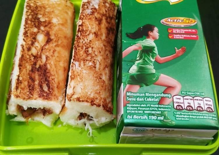 Sandwich Gulung Abon Keju