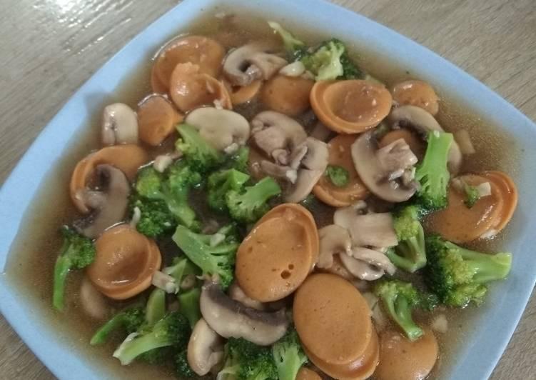 Cah brokoli-jamur-sosis