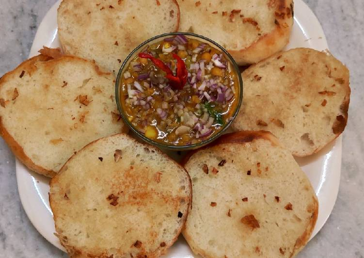Step-by-Step Guide to Prepare Award-winning Garlic bread and ghugni